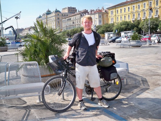 Mladi Neil Epic Rabjohn vozi biciklu od Londona do Istanbula