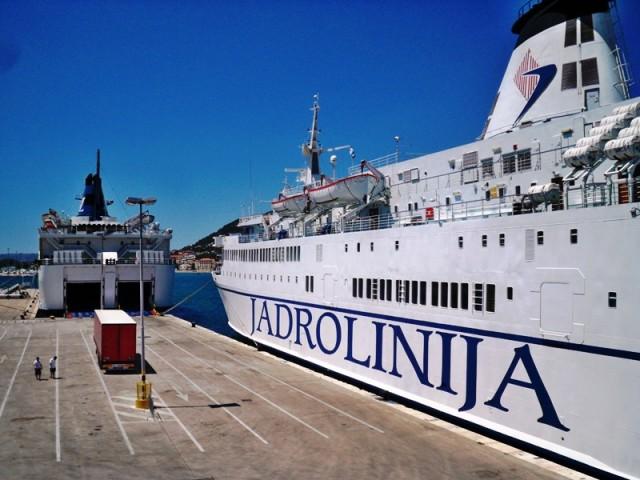 Unatoč lošem vremenu u Splitu za vikend 120 tisuća putnika