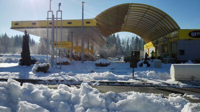 Gusti snijeg pada u Lici, zasniježilo i u Zagrebu