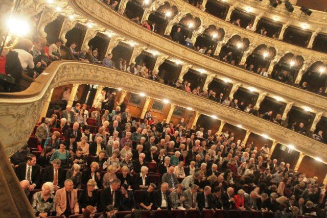 """Publika iz pet zemalja došla na  izvedbu hvaljenog """"Otella"""""""
