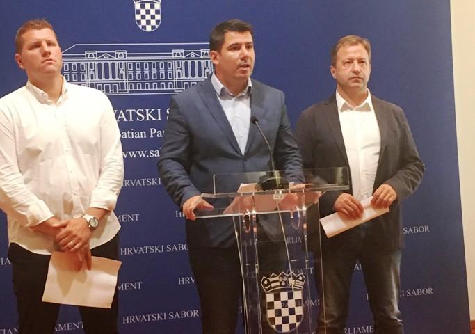 MOST oštro protiv izjava Pupovca i njegove antihrvatske politike!