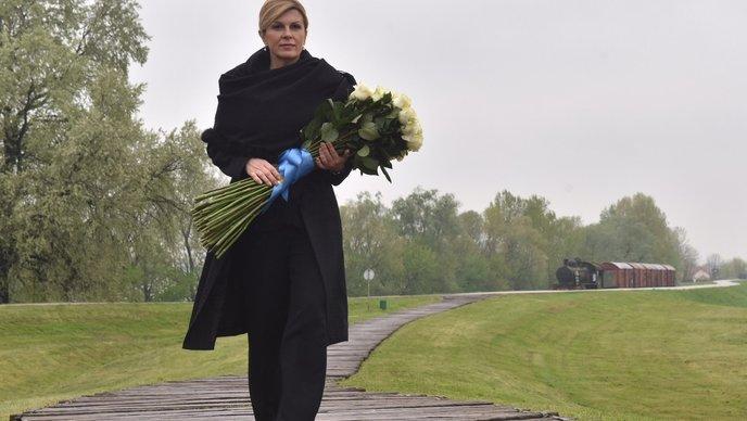 Kolinda ponovno sama u Jasenovcu