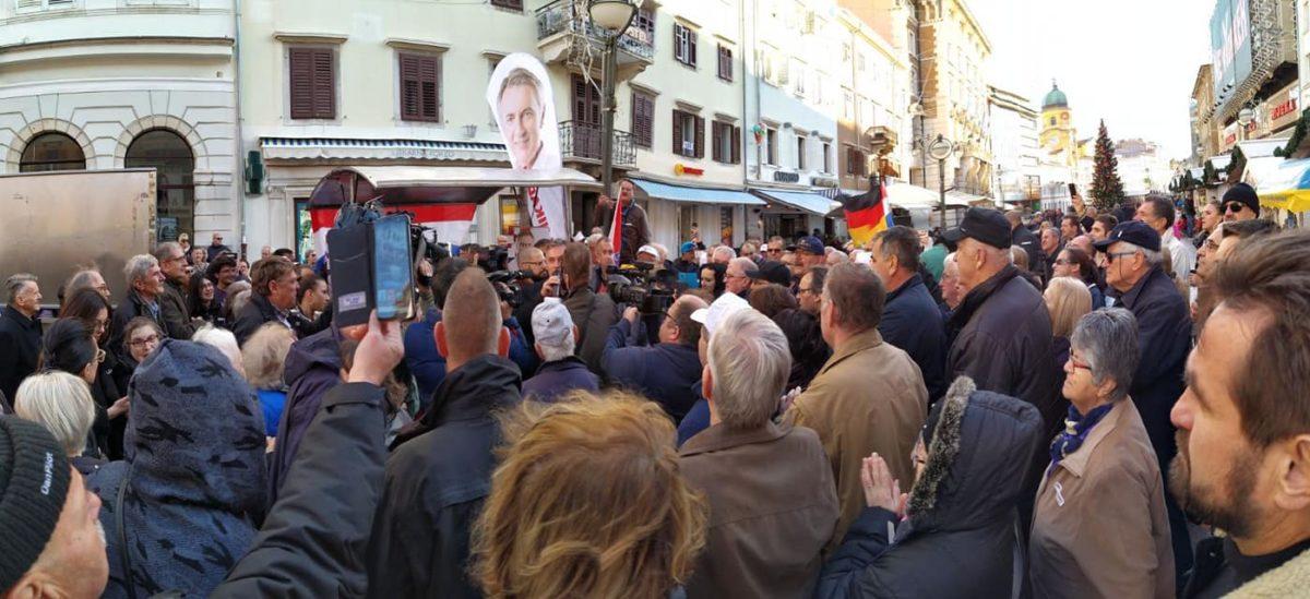 Škoro predao čak 80 000 potpisa podrške građana Hrvatske