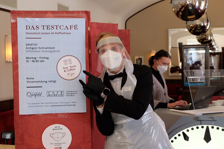 Bečka kavana Café Museum uz kavu nudi besplatan test na koronavirus