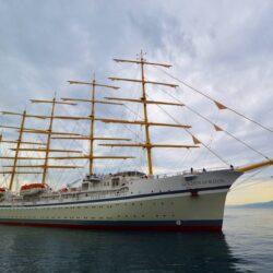 Iz Brodosplita isplovio najveći jedrenjak četvrtastih jedara
