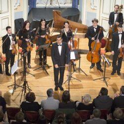 Splitski virtuozi pod vodstvom Wladimira Kossjanenka sviraju za HGZ